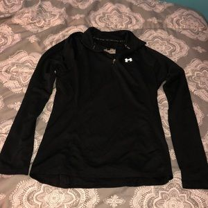 Under Armour Semi-fitted Heat Gear Pullover!